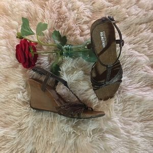 Kenneth Cole-wedge heel sandals. Pewter/color.👀💋